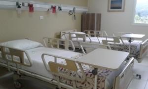 clinica habitacion dos camas