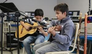 escuelas chicos guitaras