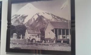 muestra pioneros edificio gendarmeria al pie del lanin