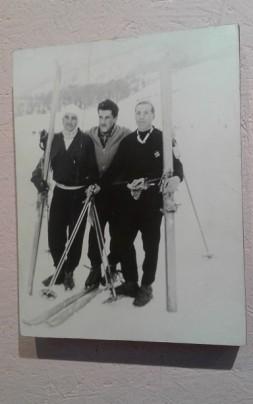 muestra pioneros esquiadores
