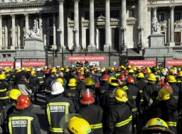 bomberos en el congreso